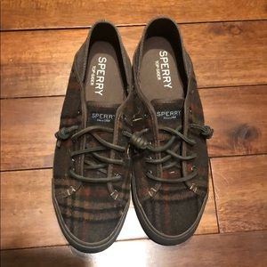 Sperry shoes like new